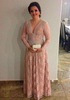 Decent V-neck Long Sleeves Blush Lace Mother of the Bride Dress with Pearls
