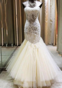 Delicate Mermaid Sweetheart Sleeveless Court Train Wedding Dress with Lace