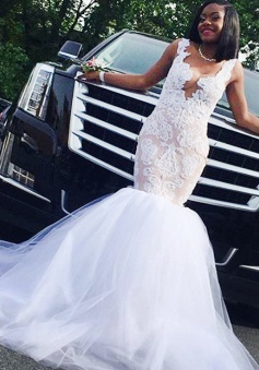 Mermaid Wedding Dress - Deep V-Neck Court Train Champagne Tulle Appliques