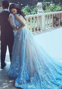 A-Line Sequare Chapel Train Sleeveless Blue Tulle Wedding Dress with Appliques Sash