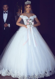 Ball Gown Off-the-Shoulder Tulle Wedding Dress with Appliques