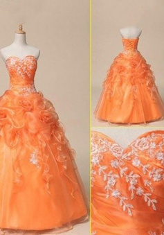 Elegant Ball Gown Floor-length Sweetheart Lace-up Prom Quinceanera Dress with  Appliques