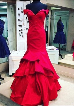 Elegant Mermaid Red Off-shoulder Long  Stain Red Prom/Evening Dress With Ruffles