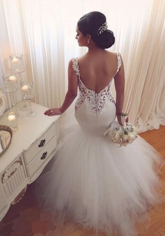 Stunning Scoop Sleeveless Floor-Length Mermaid Wedding Dress with Lace Top Backless