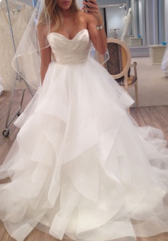 Timeless A-Line Sweetheart Sleeveless Zipper-Up Tiered Wedding Dress