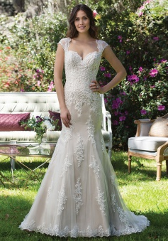 Elegant Mermaid Sweetheart Cap Sleeves Sweep Train wedding Dress with Lace