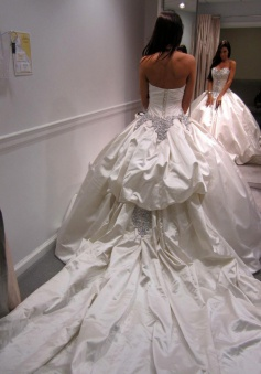 Fabulous Sweetheart Ball Gown Chapel Train Wedding Dress with Beading