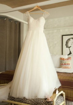 Elegant Scoop Cap Sleeves Sweep Train Beading Pleated Wedding Dress with Pearls