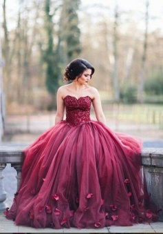 Ball Gown Sweetheart Burgundy Tulle Wedding Dress with Handmade Flowers
