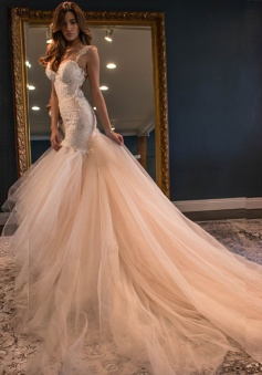 Elegant Mermaid Sweetheart Watteau Train Backless Peach Wedding Dress with White Lace Backless