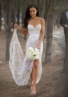 Sexy Sweetheart Asymmetry Lace Wedding Dress with Sash High Legslit
