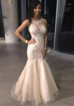 Mermaid Round Neck Long Pearl Pink Tulle Prom Dress with Appliques