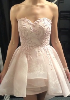 A-Line Sweetheart Short Pearl Pink Lace Homecoming Dress with Appliques