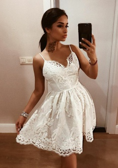 A-Line Spaghetti Straps Backless White Lace Homecoming Dress with Appliques
