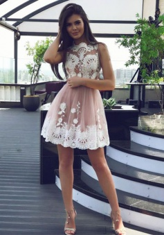 A-Line Jewel Short Pearl Pink Tulle Homecoming Dress with Appliques