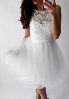 A-Line Bateau Short White Tulle Homecoming Dress with Lace Sequins