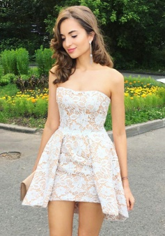 A-Line Strapless Short Pleated Lace Homecoming Party Dress