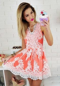 A-Line V-Neck Short Peach Tulle Homecoming Dress with Appliques