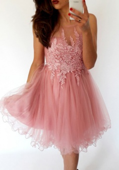 A-Line Bateau Short Blush Tulle Homecoming Dress with Appliques Beading