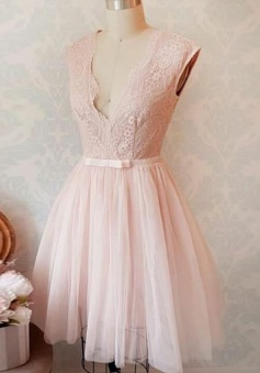 A-Line V-Neck Short Pearl Pink Tulle Homecoming Dress with Sash Lace
