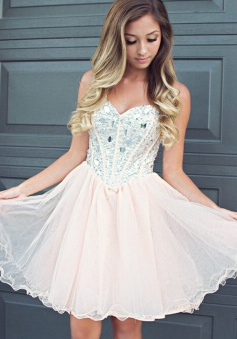 Fabulous Sweetheart Light Champagne Short Homecoming Dress with Beading
