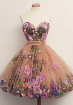 A-Line Sweetheart Above-Knee Champagne Tulle Homecoming Dress with Flowers