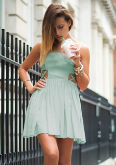 A-Line Spaghetti Straps Short Mint Green Chiffon Homecoming Dress Cut Out