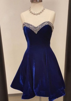 A-Line Sweetheart Short Royal Blue Velvet Homecoming Dress with Beading