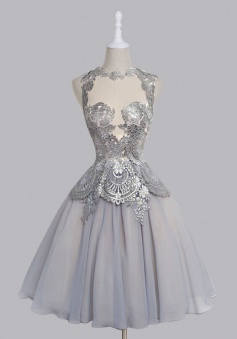 Elegant Scalloped-Edge Sleeveless Mid-Calf Grey Homecoming Dress with Appliques