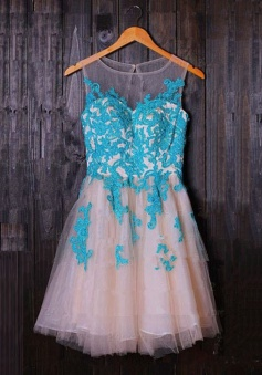 A-Line Bateau Sleeveless Short Ivory Tulle Homecoming Dress with Appliques