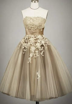 Vintage Ball Gown Strapless Tulle Tea-Length Lace-up Lace Homecoming Dress