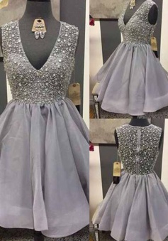 Glamorous V-neck Sleeveless Short Grey Organza Homecoming Dress with Beading