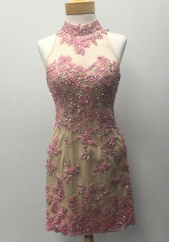 Stunning Halter Short Sheath Open Back Gold Homecoming Dress with Rose Appliques Beading