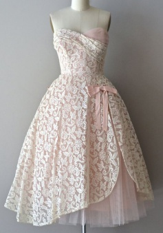 Delicate Sweetheart Tea-Length Pink Lace Homecoming Dress with Bowknot