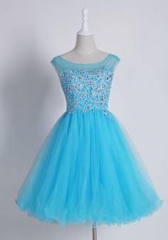 Delicate Bateau Sleeveless Short Homecoming Dress with Appliques Beading