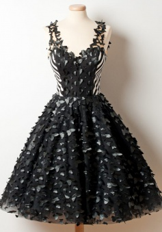 A-Line Deep V-Neck Knee-Length Black Organza Homecoming Dress with Appliques