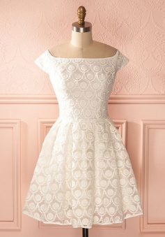 A-Line Bateau Knee-Length Cap Sleeves Ivory Lace Homecoming Dress