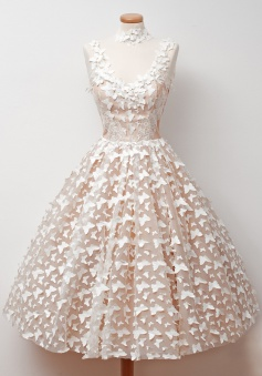 A-Line Jewel Tea-Length Sleeveless Champagne Tulle Homecoming Dress with Appliques