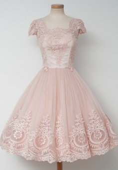 A-Line Square Knee-Length Cap Sleeves Pearl Pink Tulle Homeocming Dress with Appliques
