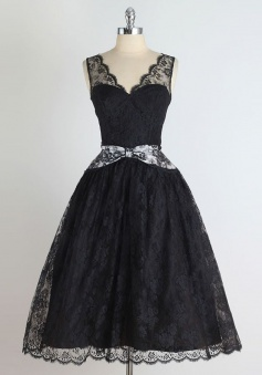 A-Line V-Neck Knee-Length Sleeveless Black Lace Homecoming Dress with Bowknot