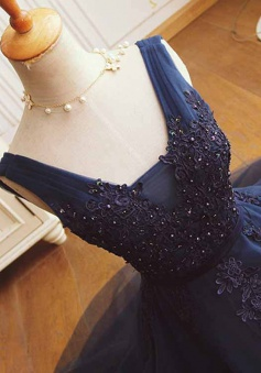 A-Line V-Neck Short Dark Blue Tulle Homecoming Dress with Beading Appliques