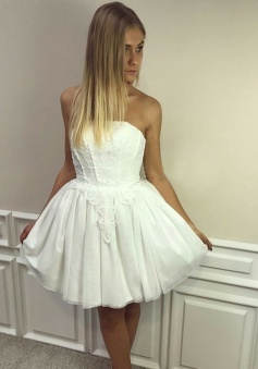 A-Line Strapless Short White Tulle Homecoming Dress with Appliques