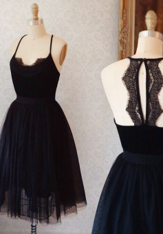 A-Line Spaghetti Straps Keyhole Back Black Tulle Homecoming Dress with Lace