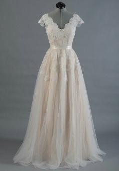 V Neck Cap Sleeve Top Lace wedding Dress With Tulle