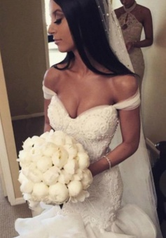 Sexy Mermaid Tiered 2018 Wedding Dress Off the Shoulder Beading Long Bridal Gown