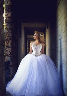 Sweetheart Crystal Tulle Ball Gown Wedding Dresses Lace-up Custom Made Princess Bridal Dresses with Crystals MH004