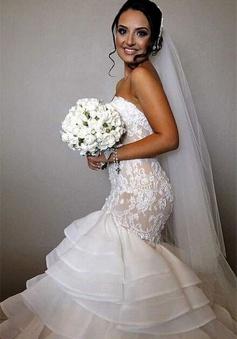 Elegant Lace 2018 Mermaid Wedding Dress Tiered Open Back Strapless Wedding Gowns BA1540