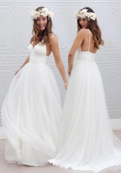 Elegant Simple V-neck Spaghetti Straps Wedding Dress Open Back Summer Formal Dresses