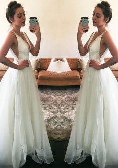 Newest Sweep-Train Sleeveless A-line White Straps V-neck Wedding Dress
