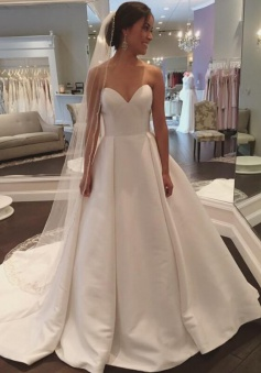 Sleeveless Simple A-line Sweep-Train White Sweetheart Wedding Dress